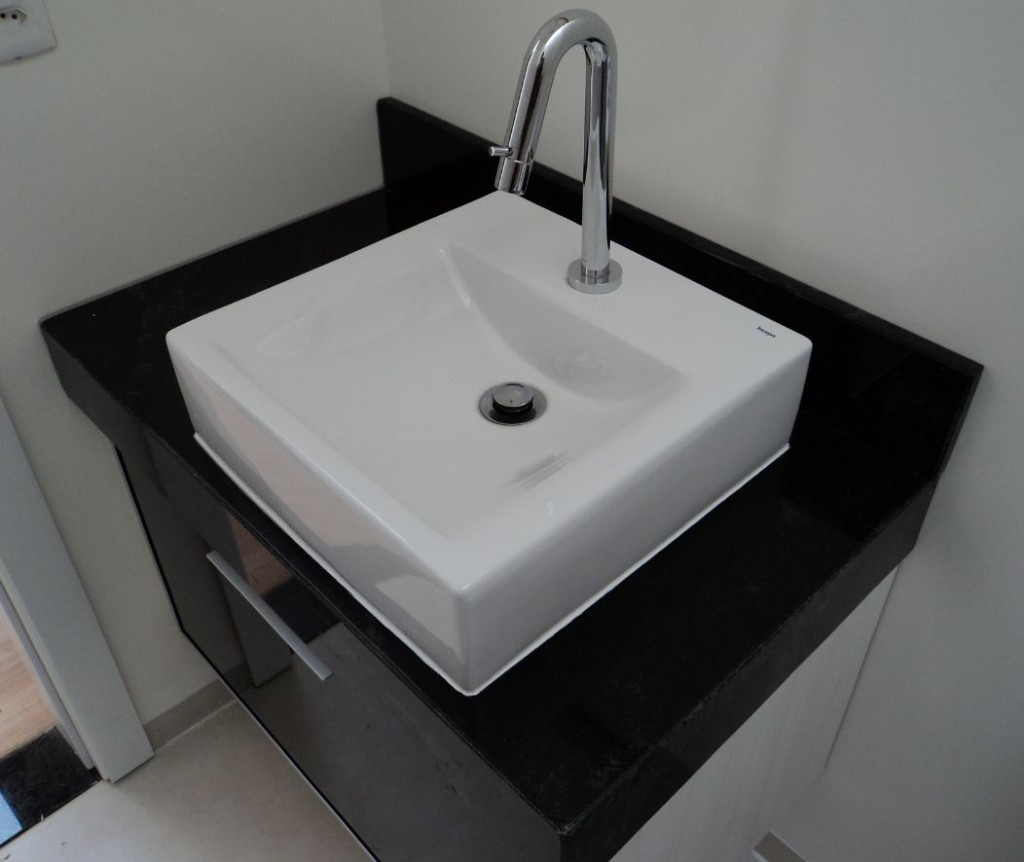 Bancada Para Banheiro Em Granito Negro Com Cuba Superior Pictures to  #5E646D 1024x862 Bancada Banheiro Granito Ou Marmore